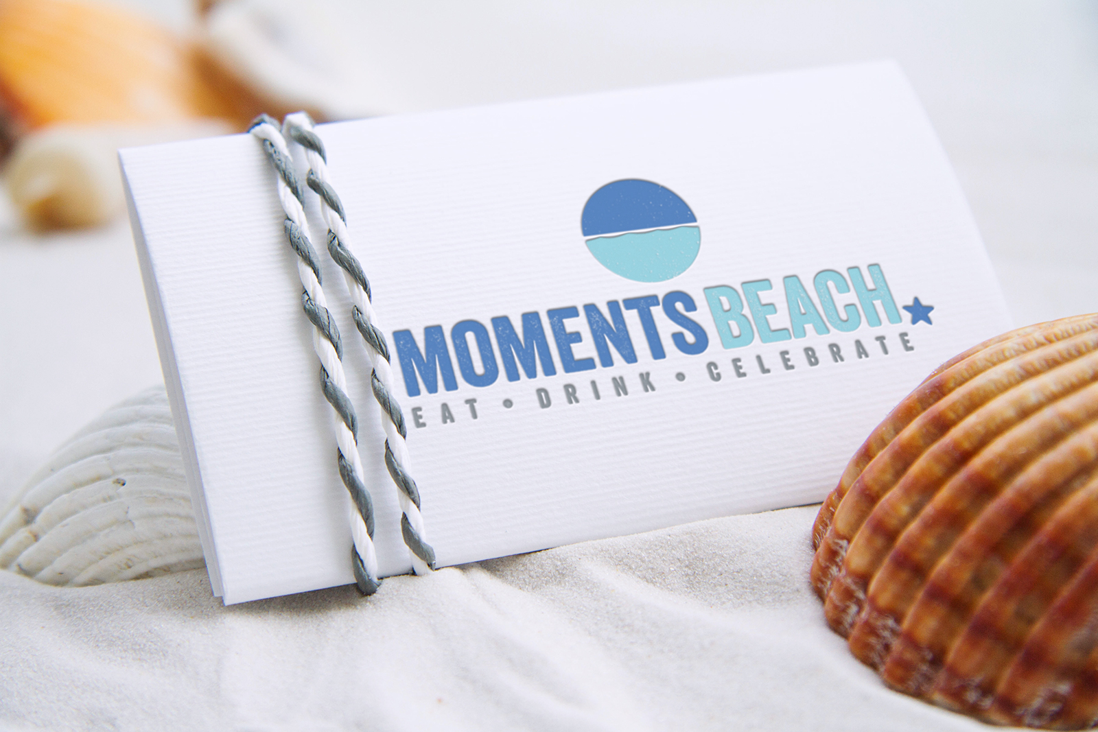 Logo (Re)Design Moments Beach